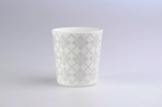 grey knit vessels